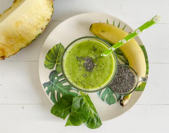 Smoothie de frutas y espinacas
