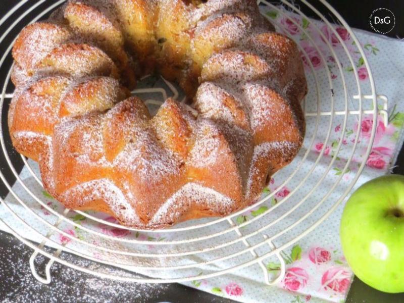 receta de un bundt cake de manzana caramelizada sin gluten