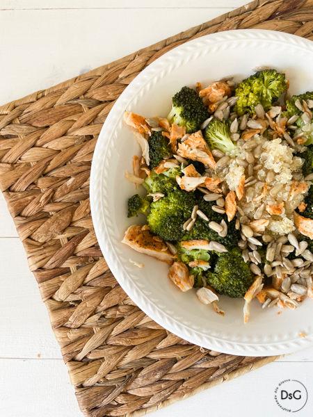 brócoli con pollo y quinoa