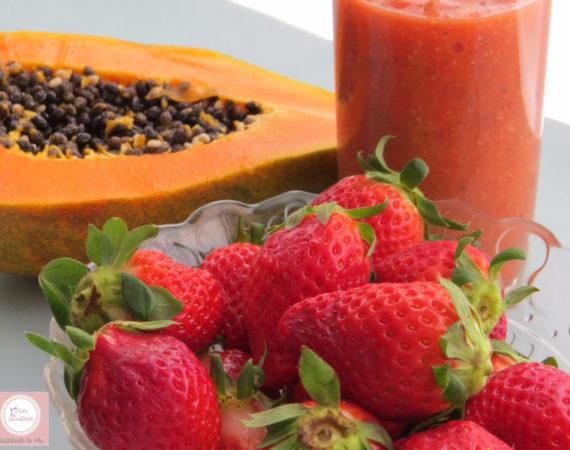 Batido de papaya, naranja, fresas y chia