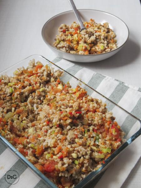 ensalada templada de arroz integral y lentejas