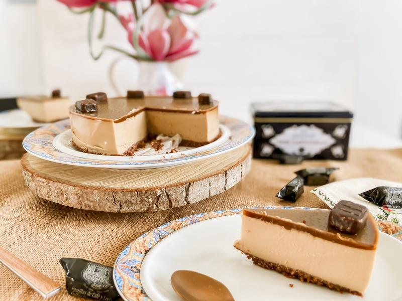 tarta de queso y caramelos