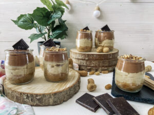 tarta de queso, cacahuetes y chocolate