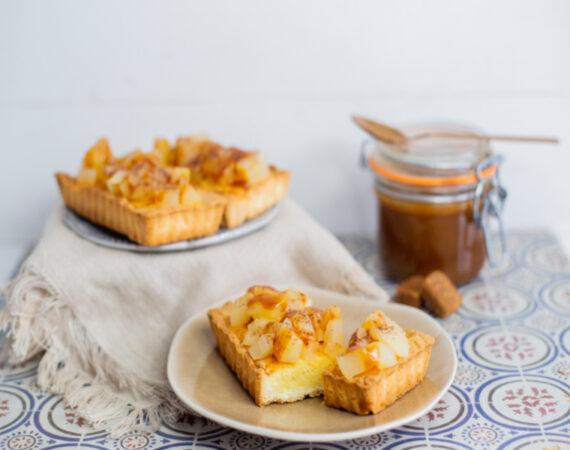 Tartaletas de crema de almendras y manzana